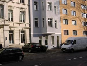 Das Gebäude in dem sich das Privatzimmer befindet