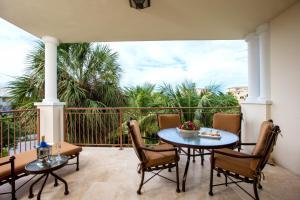 A balcony or terrace at Villa del Mar