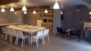 Restaurant ou autre lieu de restauration dans l'établissement Hof Ter Meulen