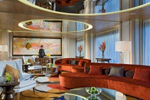 The lounge or bar area at Ascott Raffles Place Singapore