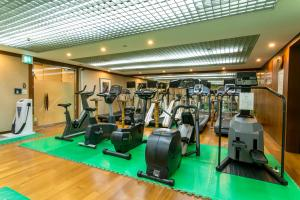 The fitness center and/or fitness facilities at Pacific Hotel