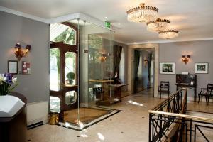 The lobby or reception area at Hotel do Elevador