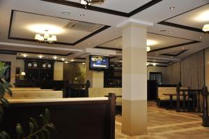 Лобби или стойка регистрации в Бугарь Отель