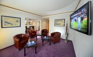 A seating area at Hotel Bavaria Brehna