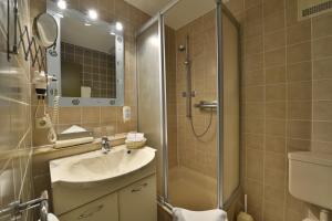 AMBER HOTEL Leonberg / Stuttgart tesisinde bir banyo