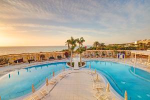 Basen w obiekcie SBH Monica Beach Resort lub w pobliżu