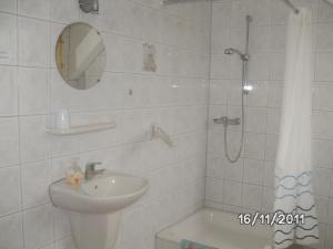 Ein Badezimmer in der Unterkunft B&B De Boerderij