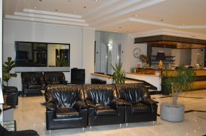 The lobby or reception area at Canadian Hotel