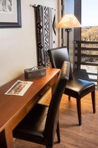 Lounge oder Bar in der Unterkunft Far View Lodge