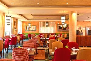 A restaurant or other place to eat at Pestana Sintra Golf Resort & SPA Hotel