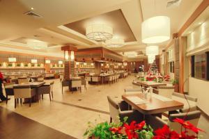 A restaurant or other place to eat at Ramada by Wyndham Princess Georgetown