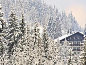 Residence & Spa La Grande Cordée during the winter