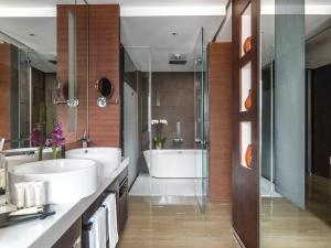 A bathroom at The Langham, Shanghai, Xintiandi