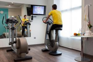 The fitness center and/or fitness facilities at Novotel Suites Malaga Centro