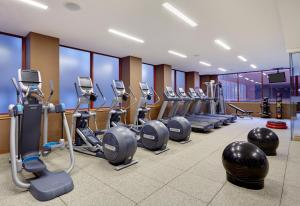 The fitness center and/or fitness facilities at DoubleTree by Hilton Philadelphia Center City
