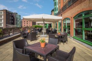 A restaurant or other place to eat at Best Western Plus The Quays Hotel Sheffield