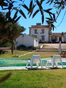 Piscine de l'établissement Quinta Dos Ribeiros ou située à proximité