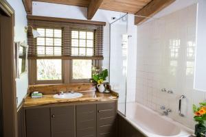 A bathroom at Buttercup Hill