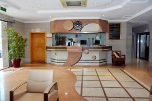 O saguão ou recepção de Al Furat Madayin Hotel