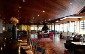 The lounge or bar area at Sky Samuara Hotel Caxias do Sul
