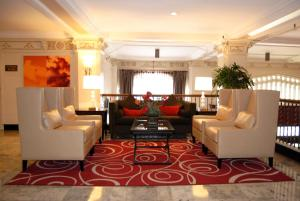 The lobby or reception area at The Pickwick Hotel San Francisco