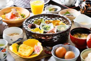 Breakfast options available to guests at Hanare no yado Kamigakure