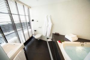 A bathroom at Euromast