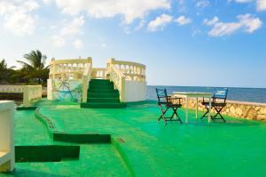 The swimming pool at or near Sahara dela Mer Inn