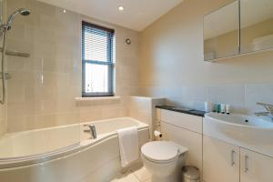 A bathroom at Camstay New Street