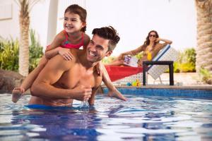 A family staying at Yas Island Rotana Abu Dhabi