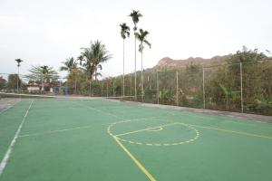 Tennis and/or squash facilities at Toraja Misiliana Hotel or nearby