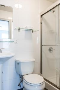 Ein Badezimmer in der Unterkunft The Park Ave North