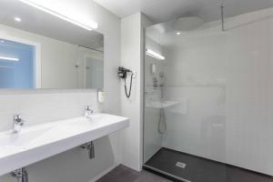 A bathroom at ARTIEM Madrid