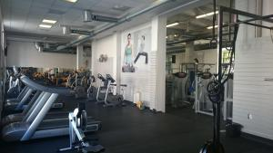 The fitness center and/or fitness facilities at Hotel Bow Garden