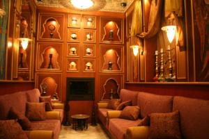 The lounge or bar area at Sultan Inn Boutique Hotel