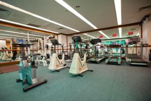 The fitness center and/or fitness facilities at Evergreen Laurel Hotel Penang