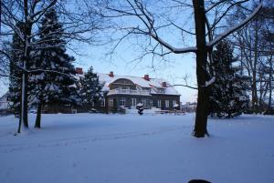 Obiekt Mazurski Dwór zimą