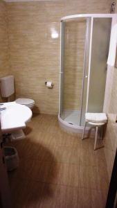 A bathroom at Hotel Reali