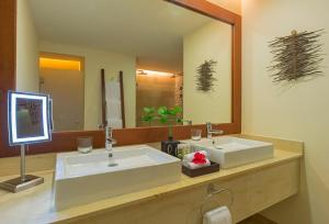 A bathroom at The Westin Reserva Conchal, an All-Inclusive Golf Resort & Spa