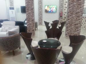 O lounge ou bar de Lara Al Jawf Hotel Apartments