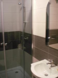 A bathroom at Villa pod Gruszą