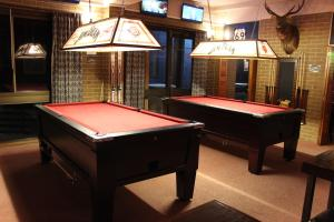A pool table at Alpine Retreat Mt Buller
