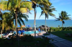 Uma vista da piscina em Hotel Pontal De Ubu ou nos arredores
