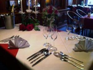 Ein Restaurant oder anderes Speiselokal in der Unterkunft Hotel Restaurant Eiscafé Luigi Pirandello