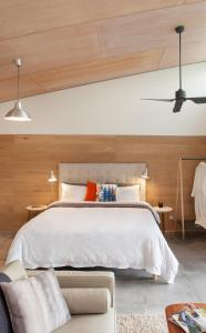 A bed or beds in a room at Studio 367