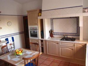 A kitchen or kitchenette at Highview Villa