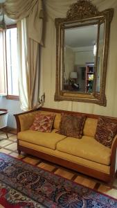 Uma área de estar em Hotel Bigallo