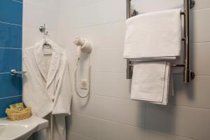 A bathroom at Maleton Hotel (Anokhina)