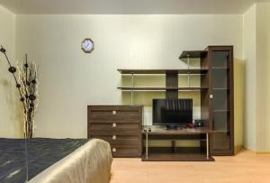 Двухъярусная кровать или двухъярусные кровати в номере ATLANT Apartments 106