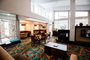 A restaurant or other place to eat at Residence Inn by Marriott Omaha West
